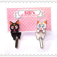 Sailor Moon (Luna Artemis) Clinging Earrings