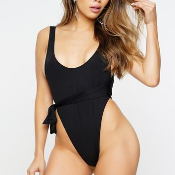 Conform One Piece - Black