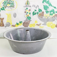 Vintage Bunt Pan, Enamel Cake Pan, Graniteware Bunt Pan, Angel Food Cake Pan, Gray Enamel Baking Pan, Enamelware Pan, Granite Ware