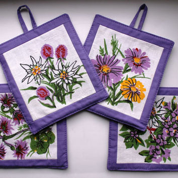 Pot Holders - Wild Flowers in your Kitchen, Lavender Hot Pads, Set of 4 Cup Coasters, Linen cup mats