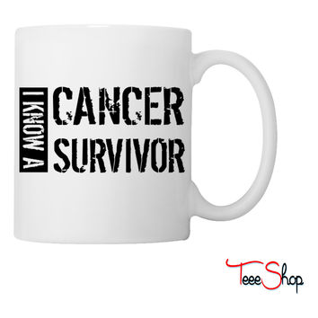 i know a cancer survivor black Coffee & Tea Mug