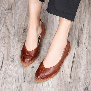 Tyawkiho 2018 Spring Women Leather Flats Pointed Toe Retro Genuine Leather Women Loafers Casual Shoes Low Heel Handmade Flats