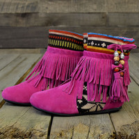 Winnie May Snowflake Moccasin Fringe Magenta Sweater Boots