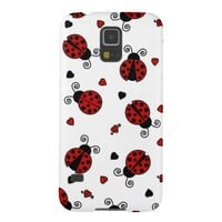 Cute Ladybug and Hearts Pattern