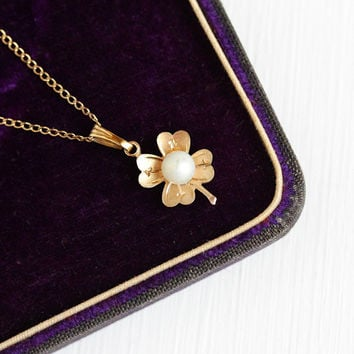 Vintage 12k Rosy Yellow Gold Filled Cultured Pearl Four Leaf Clover Pendant Necklace - Retro 1950s Shamrock Small Charm White Gem Jewelry