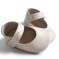 Beige baby mary janes, Baby girl shoes, Leather baby shoes, Soft sole baby shoes, Baby girl sandals, Baby girl gift, Baby baptism shoes