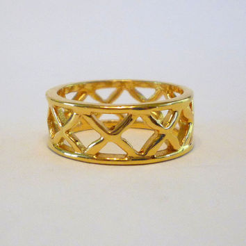 Vintage Ring, Gold Tone Ring, Lattice Work, Criss Cross Pattern, Casual Ring,  Unsigned, 1970s Jewelry