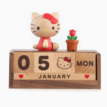 Hello Kitty Perpetual Calendar: Natural Wood
