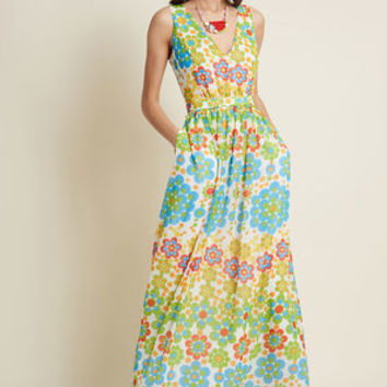 Muster the Length Maxi Dress in Floral Dots