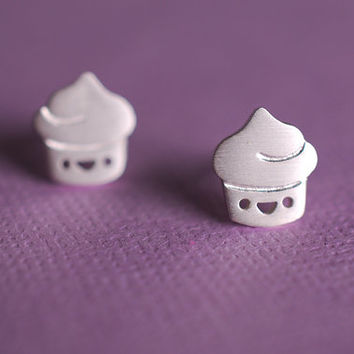 Tiny Cupcake Earrings