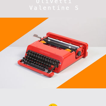1970's Olivetti Valentine Typewriter. Design Icon. Red. Excellent condition. Original. Ettore Sottsass. With case.