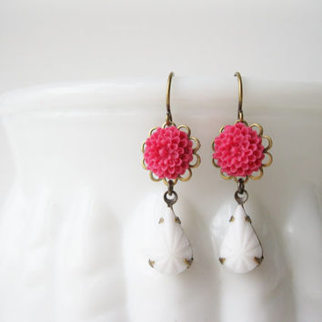 Hot Pink and White Earrings. Fuchsia Drop Earrings, Retro Flower, Antiqued Brass, Milk Glass, Summer Trends, Prom Jewellery, 1950s style.