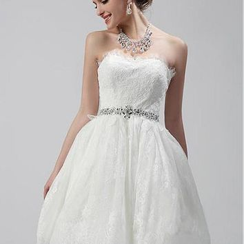 [116.99] Glamorous Tulle Sweetheart Neckline A-line Wedding Dress With Lace Appliques - dressilyme.com