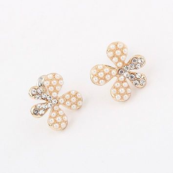 Korean Pearls Rhinestone Earrings [4918858756]