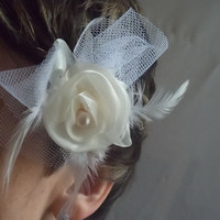 Flower Feather white Hairclip with pearlWedding by gioielliperte