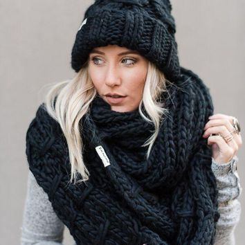 Vintage Cargo Chunky Infinity Knitted Scarf - Black