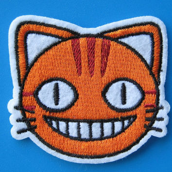 Iron-on Embroidered Patch Smiling Cat 2.25 inch