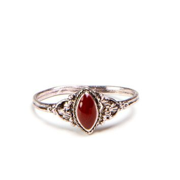 Victorian Style Maroon Ring