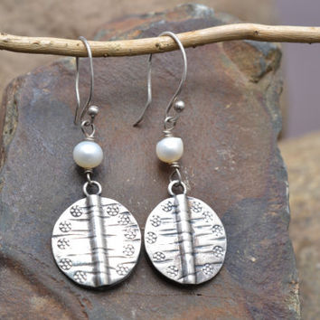 Sterling Silver Wire Earrings with White Pearl and Sterling Silver Disk