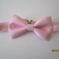 Light pink cotton bow tie, Men's pink bow tie, Boy's pink bow tie, Wedding pink bow tie, solid pink bow tie, Extra snap bow tie.