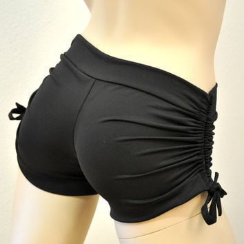 Hot Yoga Shorts Black Item 4050