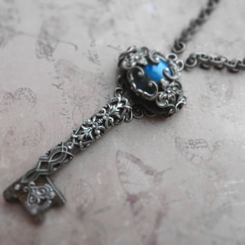 Large romantic victorian key necklace / labradorite, Swarovski, sterling silver plated brass, ornate filigree