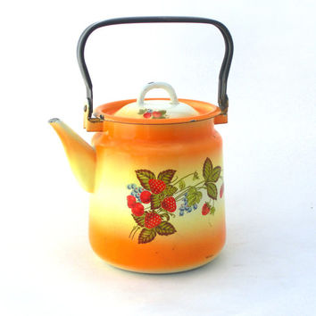 Vintage enamel Kettle - Water ware -yellow / orange ombre - made in 70s