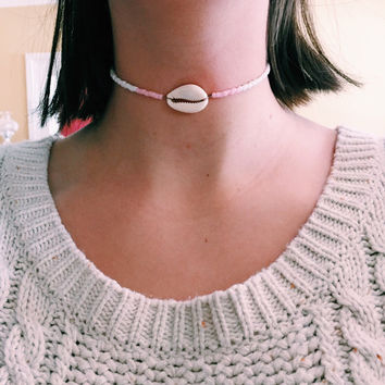 Light Pink Shell Choker