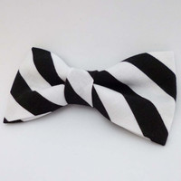 Black and white bow tie, pre tied adjustable or clip on style, mens bow tie, mad hatter bow tie, cotton bow tie halloween, striped bow tie