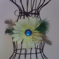 Daisy Feather hair clip