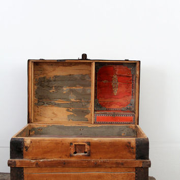 Antique Barrel Stave Trunk // Dome Top Wood Trunk