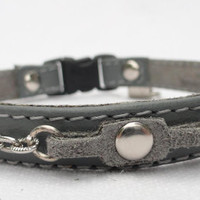 Leather cat collar with breakaway buckle and silver chains by Ruggit Collars