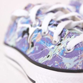 DCCK1IN kids purple low top splatter painted converse sneakers kids size 2 blue camouflage co