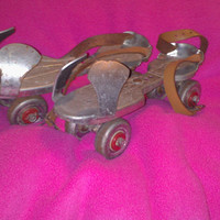 Vintage Retro 70s Adjustable Metal Jet Set Roller Skates