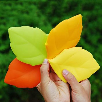 1pc Creative Silicone Maple Leaf Silicone Water Cup Portable Mini Folding Water Bottle Ourdoors Pocket Mug Toothbrush Cover