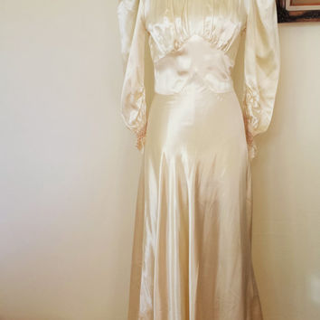 Vintage 1930s Wedding Gown / Champagne Wedding Dress / 30s Satin Weddinggown /  1930s Bridal Gown / Vintage Bride / 1930s Bride / Ivory Gown