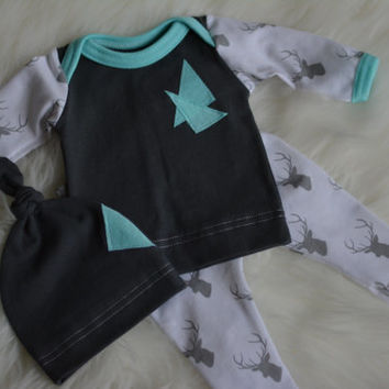 Baby Boy Take Home Outfit, Coming Home Baby Boy Leggings, Deer Oufit, Preemie Clothing, Knot Hat, Gray Elk , Baby Boy Take Home, Shower Gift