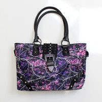 Luckless Clothing Co | Muddy Girl Sinch Satchel