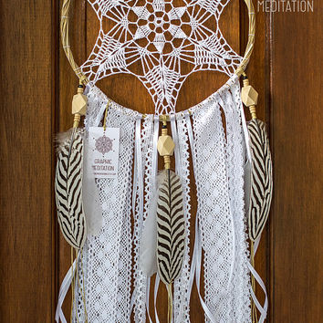 Boho dream catcher wall hanging, Large white dreamcatcher, Unique wedding decor doily dream catcher, Crochet feather dreamcatcher
