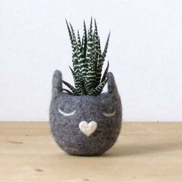 Felt succulent planter  / Kitty cat vase / Grey cat / Kawaii gift / cat lover gift - Choose your color!