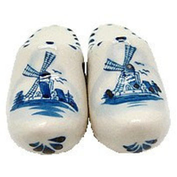 Collectible Salt and Pepper Shakers: Wooden Shoes
