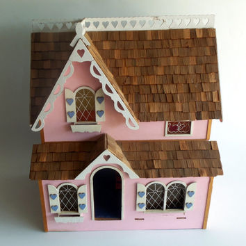 Vintage Doll House Wood 2 Story Cedar Shake Roof Includes Furniture Painted Miniature Pink Chairs Bed Cabinet Tables Rack Dolls Wood