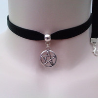 Tibetan Silver PENTAGRAM PENTACLE STAR Charm Black Velvet Ribbon Choker Necklace -ln... or choose another colour velvet :)