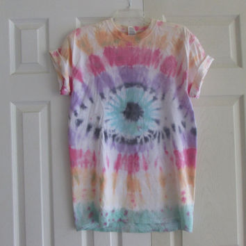 Colorful Trippy Symmetrical Eyeball Unisex Tie Dyed Tee Shirt