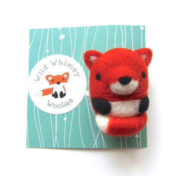 Fox Brooch, Needle Felted Fox Brooch, Fox Pin, Felt Fox Brooch, Animal Brooch, Fox Jewelry, Fox Badge, Fox Gifts, Fox Accessories, Woodland