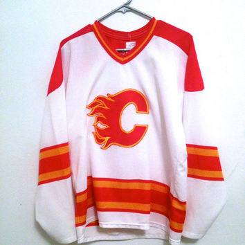 Vintage 80s CALGARY Flames jersey CCM mens NHL hockey jersey athletic gear medium