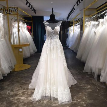Custom Made A-Line Lace Wedding Dresses 2018 Sheer Back Sleeveless Scoop Wedding Gowns with Sweep Train Robe De Mariage