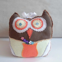 Hand Sewn Owl Little Pillow, Owl Soft Toy Handmade, Stuffed Toy Animal Owl, Nursery Kids Room decor, Owl plushy, Owl home decor, Owl cushion