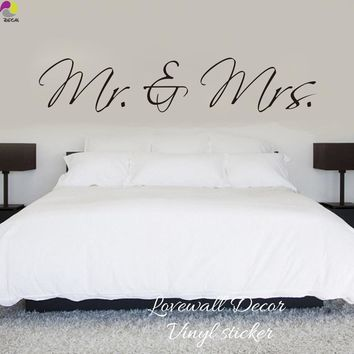 Mr & Mrs Wall Sticker Bedroom Sofa Wedding Room Party King Queen Love Quote Wall Decal Family Vinyl Home Decoration Art Mural