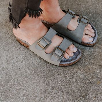 Quest Furry Sandal - Stone Gray